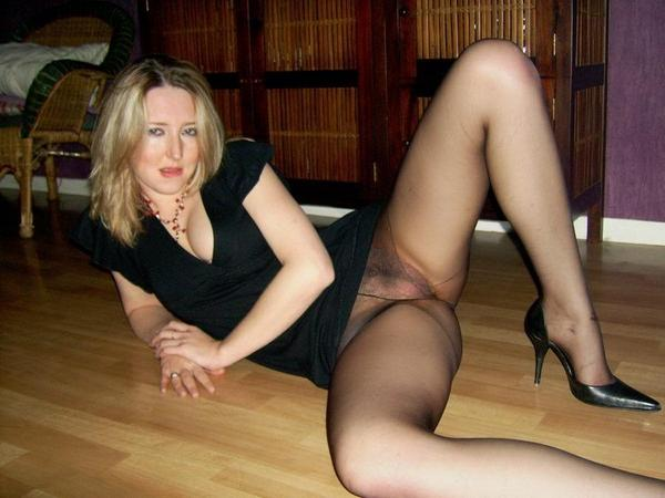 Shemale Movies In Nylons 34
