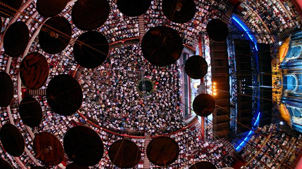 It's nearly @bbcproms time at the @RoyalAlbertHall! #thispicturegivesusvertigo!   http://t.co/DmMfl7Yjua http://t.co/XlOeEMvU4B