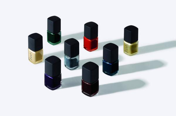 3.1 Phillip Lim for NARS Cosmetics Nail Collectionがついに公開。 3.1 Phillip LimとNARSが共同で開発した限定のネイルコレクションは、2014年8月22日(金)発売。 http://t.co/Ptk3RVMCbS