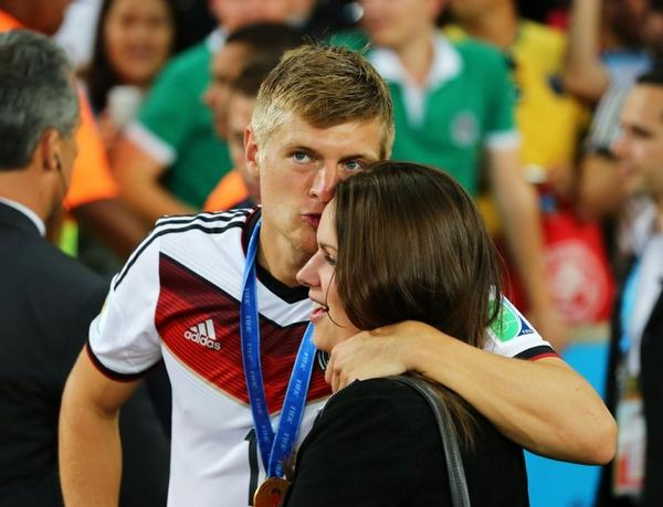DONE DEAL! Real Madrid announce signing of Toni Kroos on 6 year deal