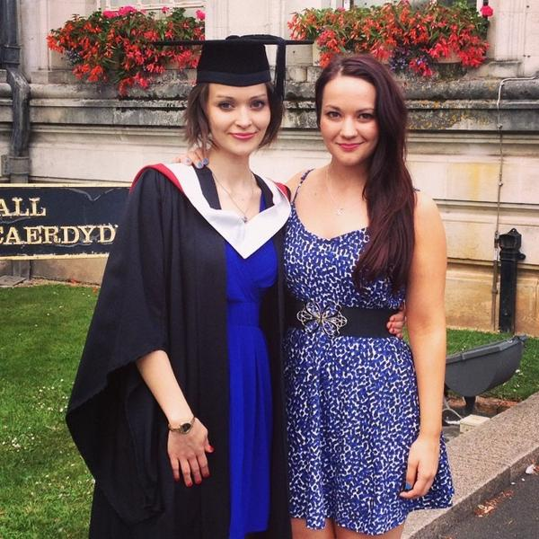 I DID IT! #CUGrad2014 Say hi to my first class hons degree in English Lit :) yest was such a lovely day xxx @Saskia_P http://t.co/V91wSshwyG