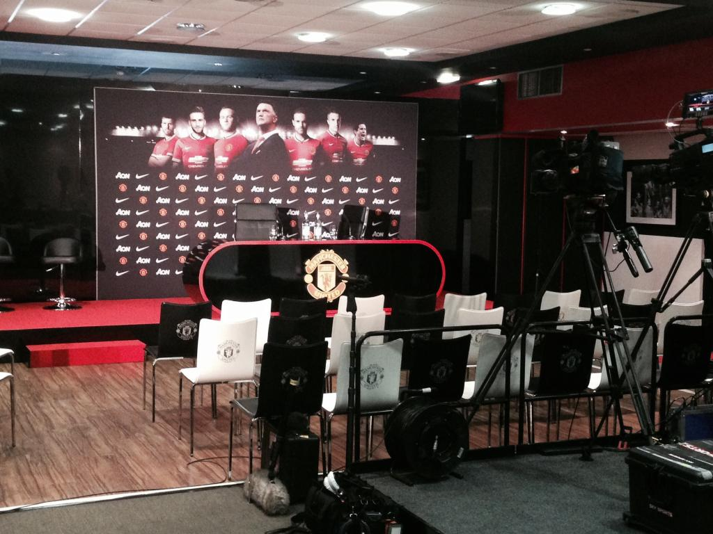 Twitter / SkySportsNews: Not long until Louis van Gaal ...