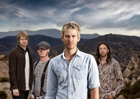 We're getting fired up for @Lifehouse with @HotChelleRae tonight at the @CAMidStateFair! http://t.co/TrXRZwMZiI #CMSF http://t.co/uxLxW3rUgB