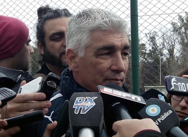"""De Felippe: """"Me duele irme porque quería dirigir a Independiente en Primera"""""""