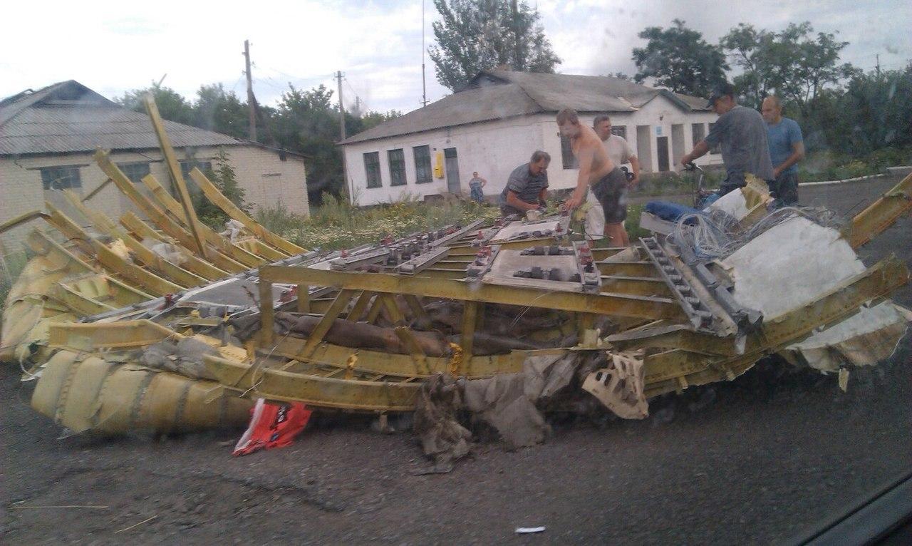 MH17 Crash en Ukraine BswlCI_CMAATGQB