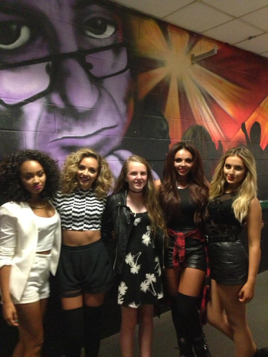 Woo Hoo Cis meeting her idols @LittleMixOffic So nice and SO talented! Love them! Xxx http://t.co/nsKsLi0djl