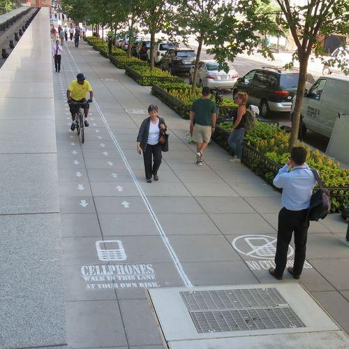 It's come to this: Now there are Cellphone Only lanes on SIDEWALKS! As an experiment, anyway… http://t.co/v65X9A8M4S http://t.co/ah3FrLKODx