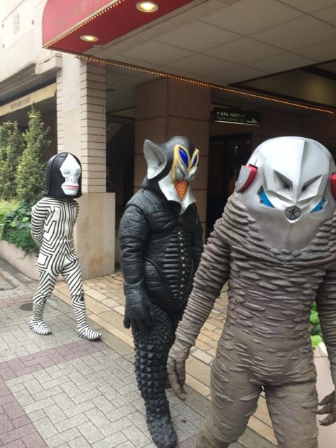 今日は早朝からロケです。#ウルトラ怪獣散歩 http://t.co/0HDW0Ne4N7