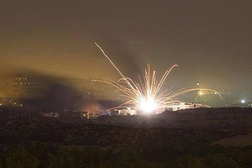 Shelling turns night into day in #Gaza, literally everywhere from air, land & sea http://t.co/9nTlnNbhzp (via @AsemAlnabeh from Gaza)