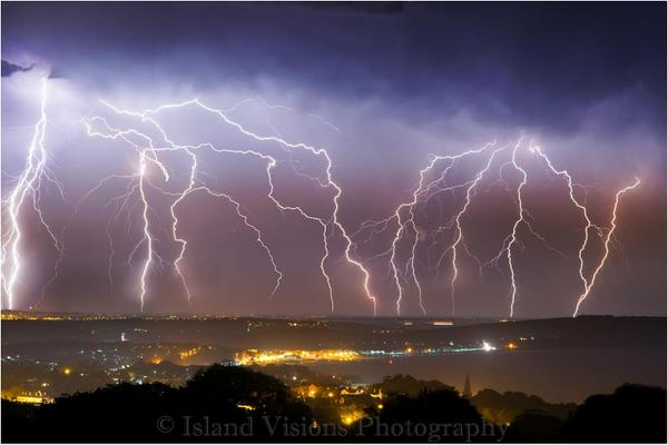 Wow > RT @MatthewHotton: Superb picture of lightning over the Isle Of Wight last night by Island Visions Photography http://t.co/Yo1H5ABqBJ