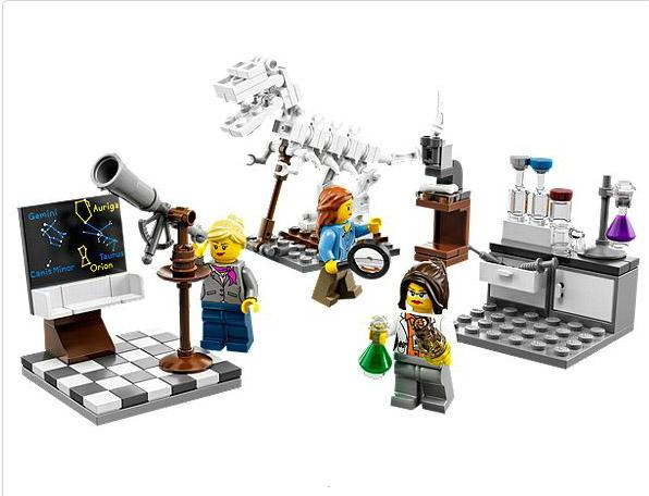 LEGO finally has the female scientists set available, and it's already sold out. Amazing. http://t.co/FA5XDusLuM http://t.co/PAzELX6qHG