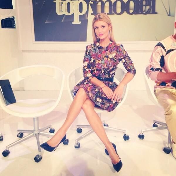 Another tough day. Elimination day #topmodel #toptvhost #workaholic #happy #grateful #valentino #casadei #topmodel http://t.co/73IucRp4sv