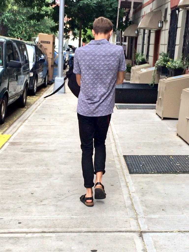 his passion for fashion is real. man Birkenstocks......with a back strap!! I meannnnn http://t.co/vkFHJNSrFz