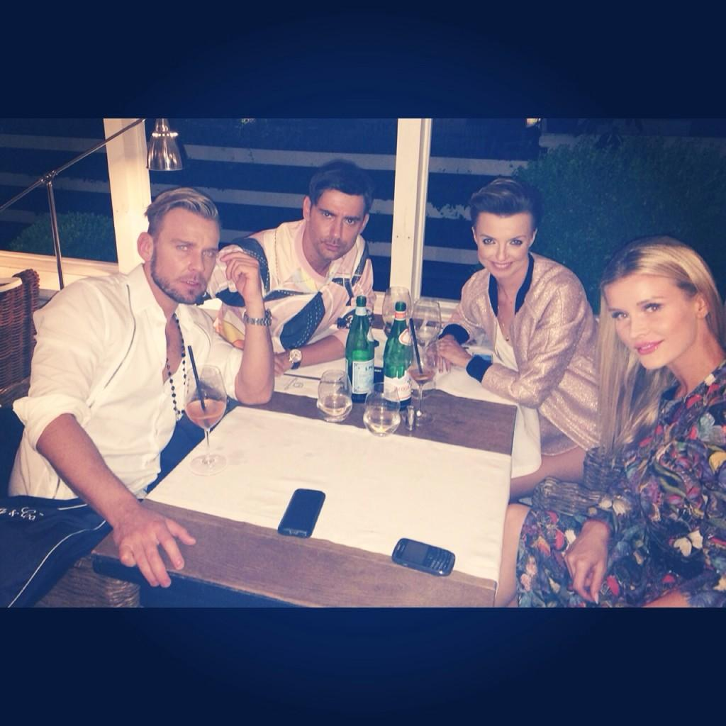 Perfect ending to a long day w the #topmodel #crew @kasiasokolowska @dawid_wolinski  @tyszka_marcin http://t.co/mmugul3Khc