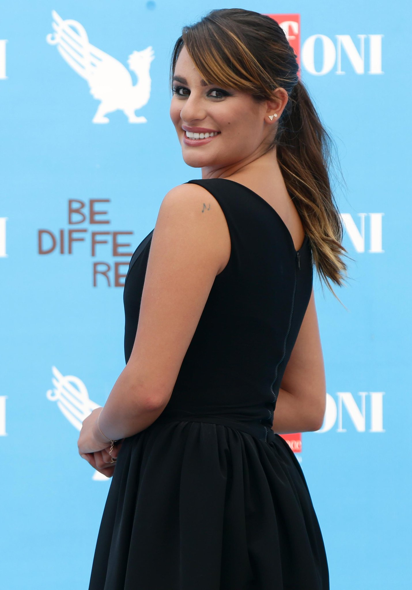 We got the scoop on @MsLeaMichele's surprising new role: http://t.co/5kUj4cPF9M http://t.co/y3A8ZWi4ma