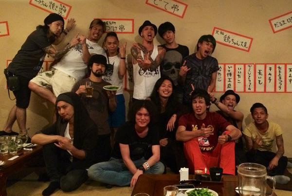 【Zepp Nagoya、番外編】   2日目@Zepp Nagoya、打ち上げも無事終了!   みんな良い顔しています。   本当に素晴らしいライブ、ありがとうございました! http://t.co/7yrrKiRxTr