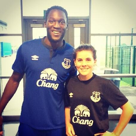 Looked who popped in to say hi at training today #Everton #WhatAGreatSigning @RomeluLukaku9 http://t.co/oRDhHYKNjV