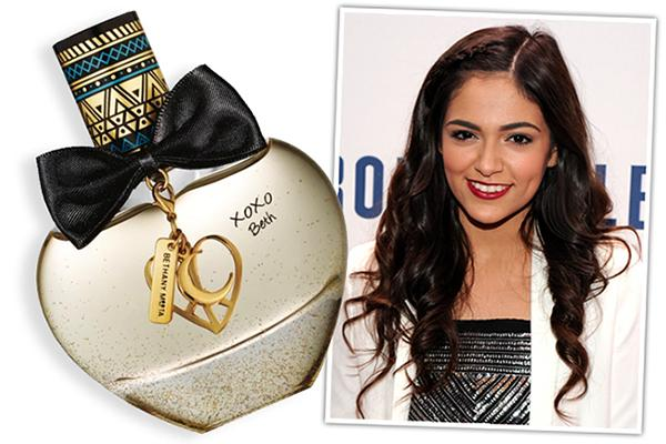 We've got all the deets on @Bethanymota's new fragrance: http://t.co/WROlOu7fVG http://t.co/L9HpkJL1ZE