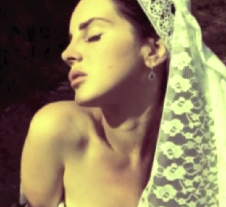 Lana Del Rey's 'Ultraviolence' video is here and DIVINE: http://t.co/P5mgLUz7Da http://t.co/eCsrawCcOj