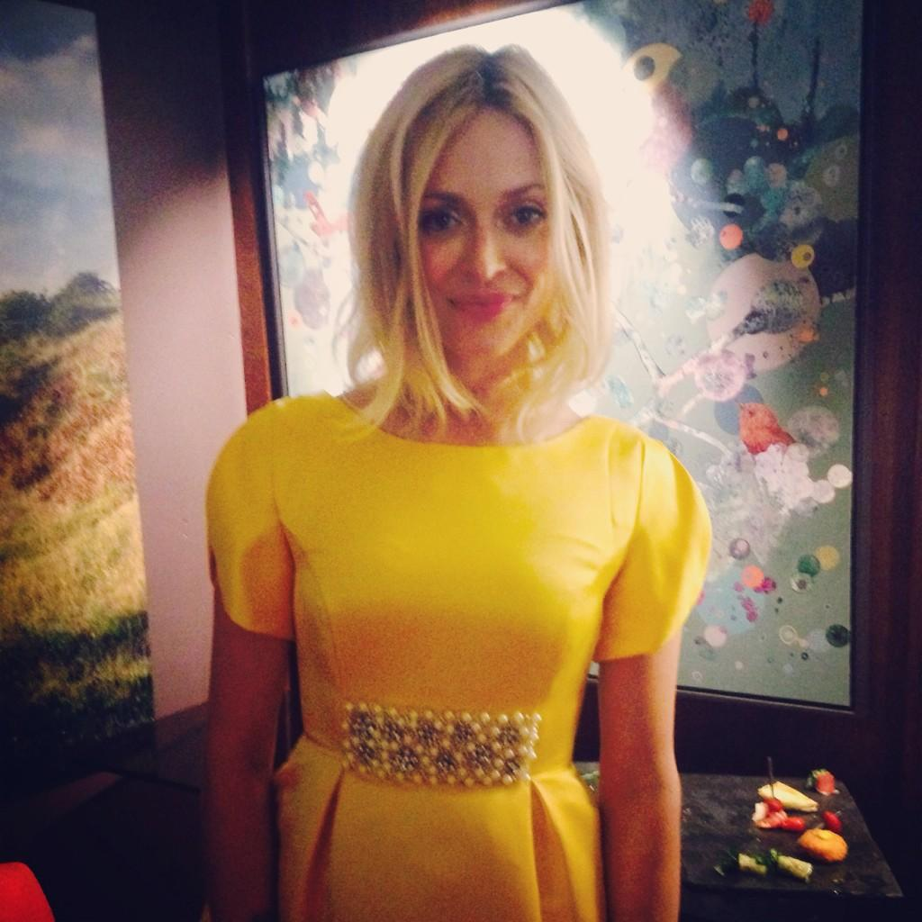 We spent the evening with @Fearnecotton, wearing her best party frock at her @verynetwork launch 👗 👗#veryFearne http://t.co/Na6y8bGJsQ