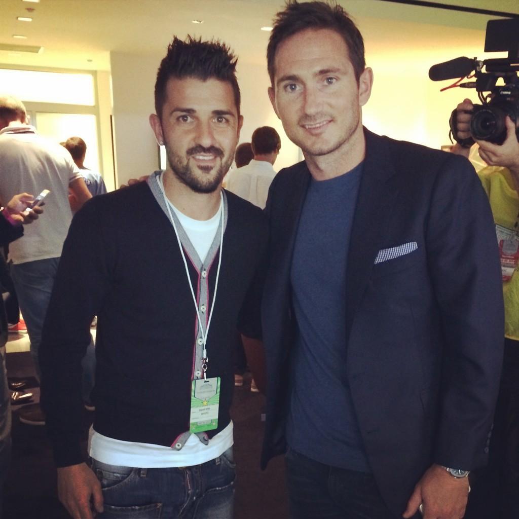 ¿Cuánto mide Frank Lampard? - Real height Bt1OlApCIAAu2-k