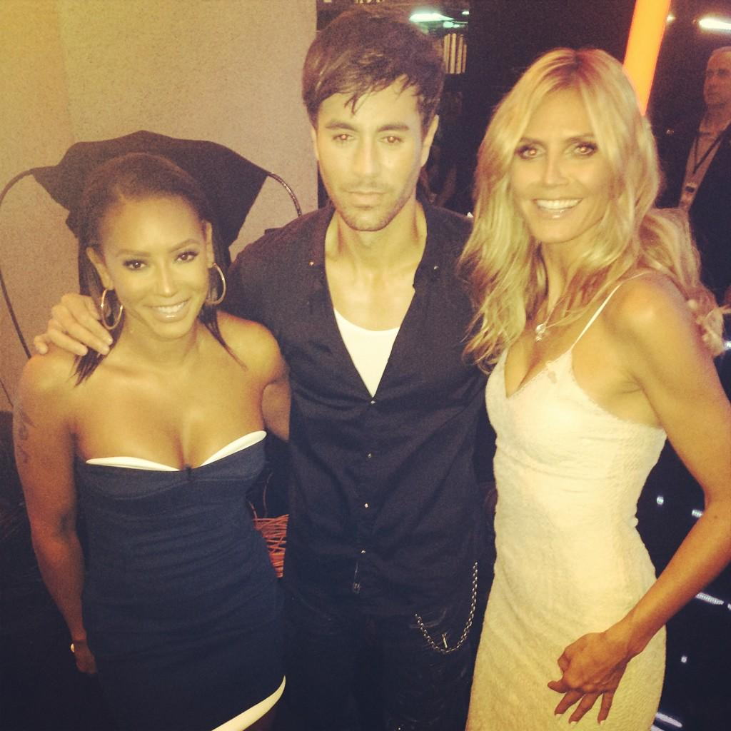 Tune in tonight for #AGT , partying   with @enriqueiglesias http://t.co/5QmCQLbwgW