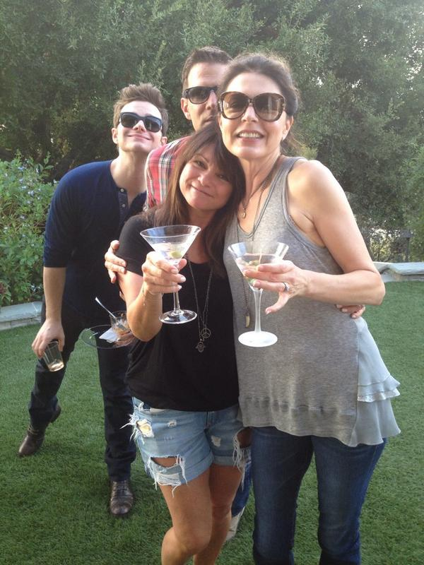 """❤️ """"@JaneLeeves: Who are those weirdos in the back?! #hotincleveland #valshouse @Wolfiesmom @tmilliner1 @chriscolfer http://t.co/P8eRem1tRI"""