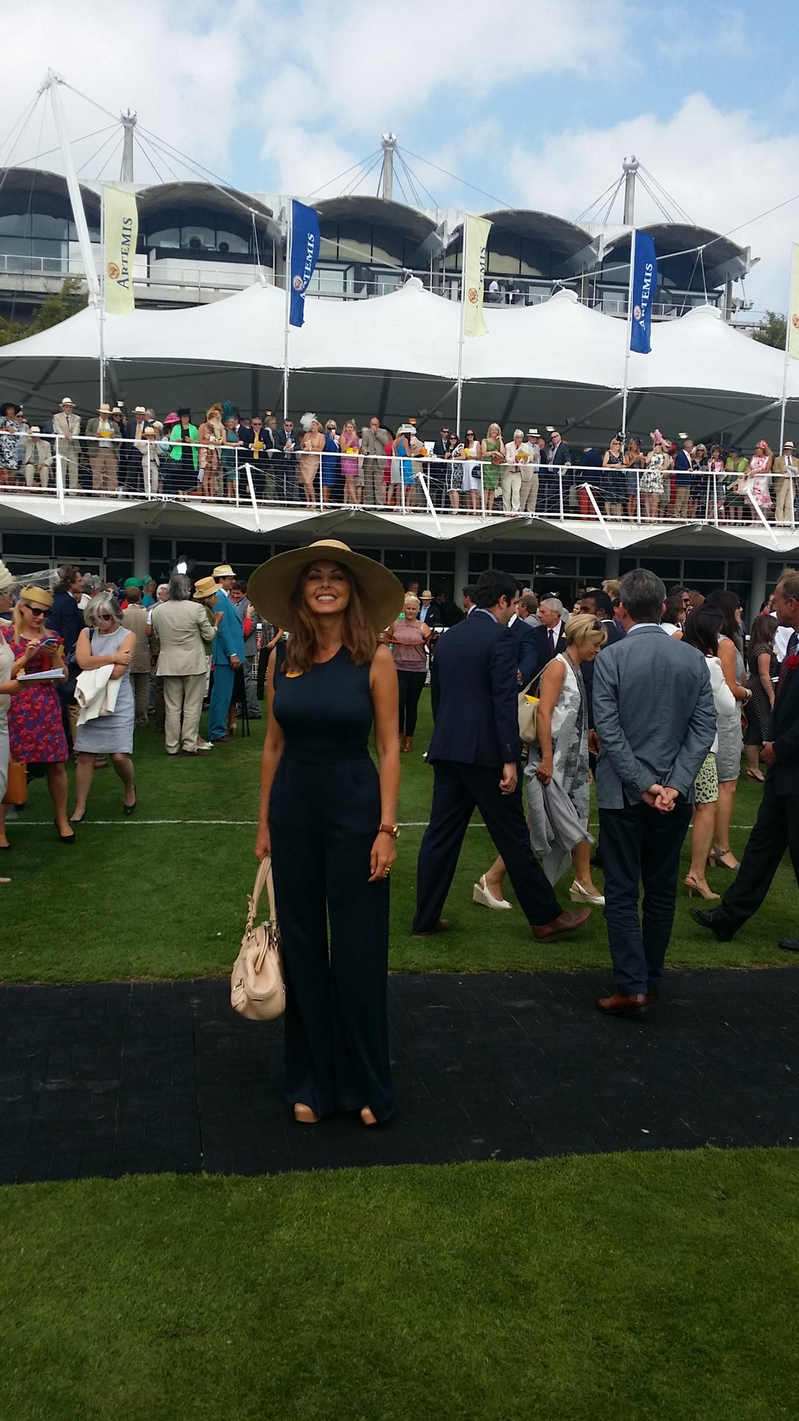 Heck. Glorious Goodwood was sunny and perfect and wonderful... And no... I didn't beat the bookies! Ha x http://t.co/msSWd0wyC9