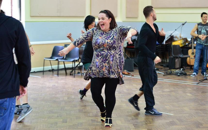 RT @JamesB_Artemx: #throwbackthursday @Reallisariley @artemchigvintse in Strictly Confidential rehersals http://t.co/QAh2R1pV2K