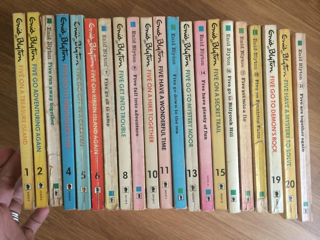 RT @amylou152: @hollywills here's my set of Famous Five books 1 to 21 :-) #SchoolSummerReads :-) http://t.co/qCtU6miudQ