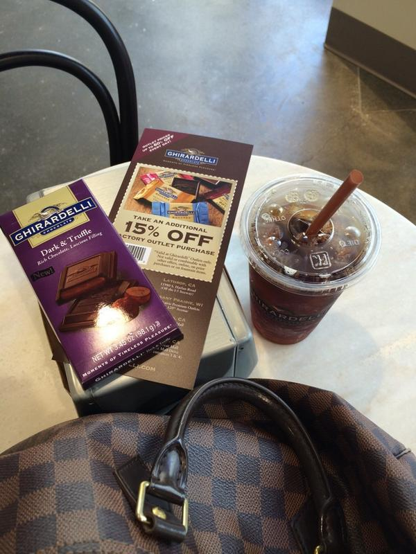 Thanks #Ghiradelli Ordered iced #coffee & got a free bar! #openingday #simpsonville Outlet Shoppes of the Bluegrass http://t.co/HpIAm5QLUg