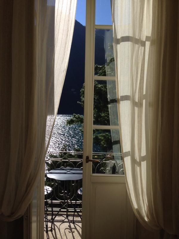 La vista dalla nostra camera a Relais Villa Vittoria, #Laglio.  'Simply heavenly. #LakeComo #Italy http://t.co/xXFdJWIOBP