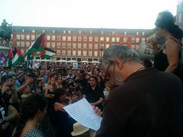 In Madrid people crying as it's reading the names of the kids killed by israeli army @Migs_Bru  #FreePalestine #Gaza http://t.co/3HV9hrmKGe