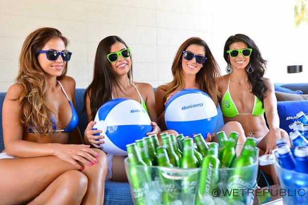 Who's up for a cold one? #BudLightLV @budlight @WetRepublic http://t.co/vxc33fDLVS