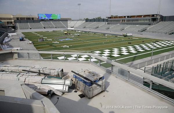 There's green all over as Yulman Stadium nears completion. Photos of the nearly finished field http://t.co/FIHbZC9AYT http://t.co/Ei9rXEFWE4
