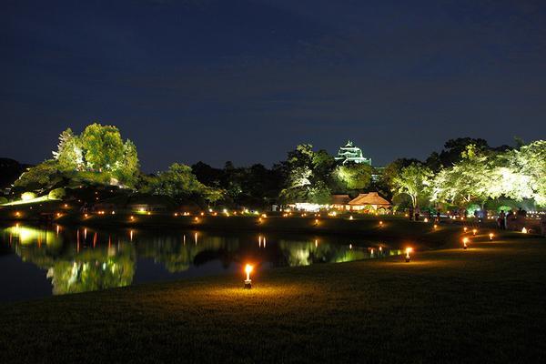 8月1日~31日の期間岡山後楽園「幻想庭園」・岡山城「烏城灯源郷」が開催されます。広大な庭園とお城がやさしい灯りに包まれます。ビアガーデンやステージイベントなど様々な催し物もあります。http://t.co/gbxXxDAl8J http://t.co/YZ9HtlvicX