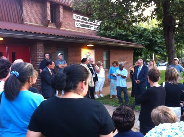 Can't get into the Ricketts Center? Heck, hold the Ward meeting outside the Ricketts Center. @MercuryX http://t.co/eSidBh4LIK