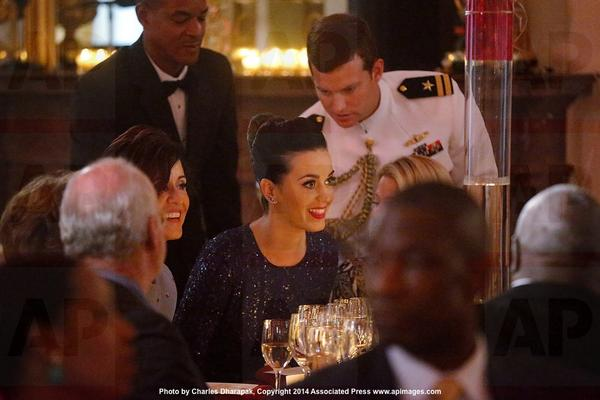 @katyperry takes her seat @WhiteHouse for Special Olympics dinner. She's singing later tonight via @AP_Images http://t.co/ZyHkTYfE1G