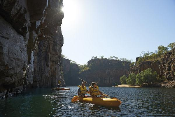 Canoeing along NT's Katherine Gorge anyone? #NTaustralia  http://t.co/Pv7edUvV0u http://t.co/qOqg17Vmpj