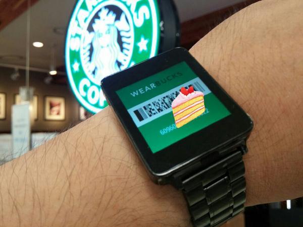 스벅 충전한 카드가 Android Wear에 쏘옥. 귀찮게 폰 꺼내 계산할 필요가 없으니 조으다.   #LGGWatch #AndroidWea http://t.co/rRezhBCsxc