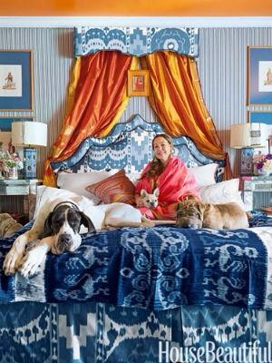 How can you not love a designer who sleeps like this?...@mnussbaumer @ceylonetcie @HouseBeautiful http://t.co/XG6LuxVkhN