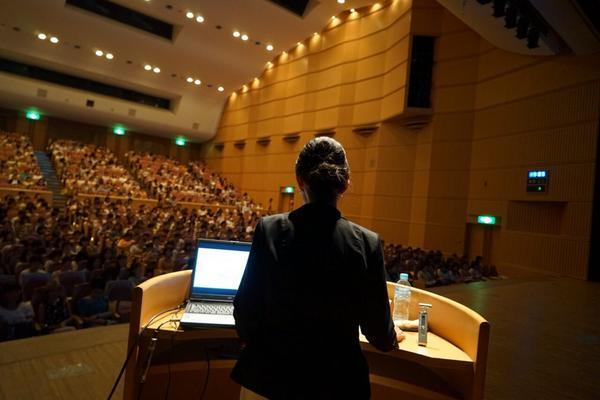 無事に基調講演が終わりました。皆様、有難うございました^ - ^ http://t.co/JbpeyaMExL