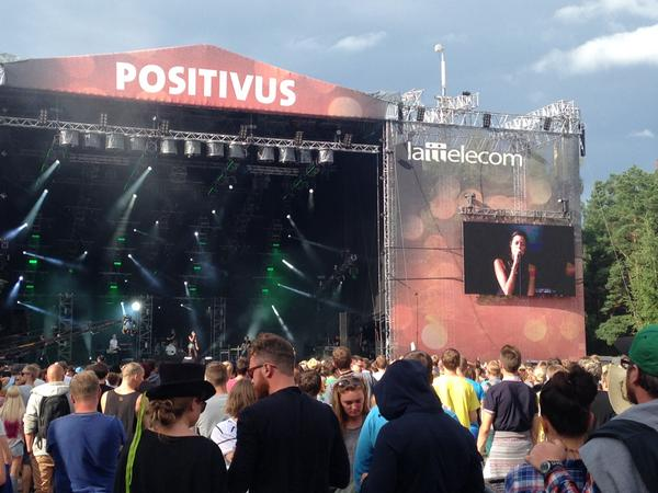 @kim_92 Oh dear Kim. I'm at @positivus festival where the only people older than me are #Elbow and #Kraftwerk. http://t.co/RfkPDeVMex