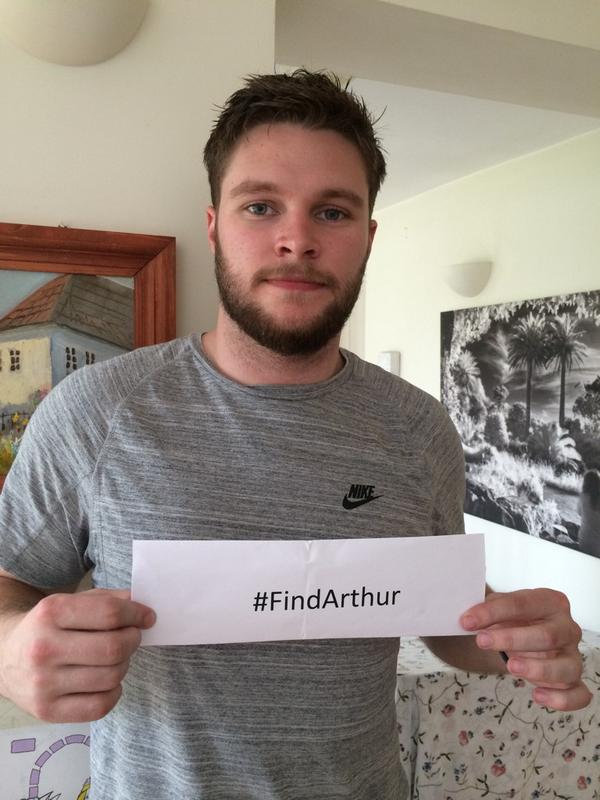Jack Reynor joins the search:  http://www. itv.com/news/2014-07-1 8/family-appeals-for-help-to-find-missing-pensioner/   …   #FindArthur <br>http://pic.twitter.com/7WqnPJgSm1
