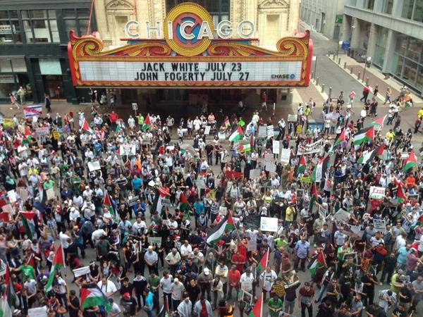 Protesters outside @ABC7Chicago. They demand Israel leave Gaza. (Photo by @GiannaUrgo) http://t.co/tqDAq7hUuY