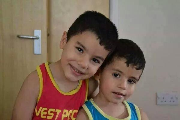Hassan's 2 kids saji & kenan who got kiled today in #Gaza along with their pregnant mom. He was in #Oxford last year. http://t.co/hK00ftZ163