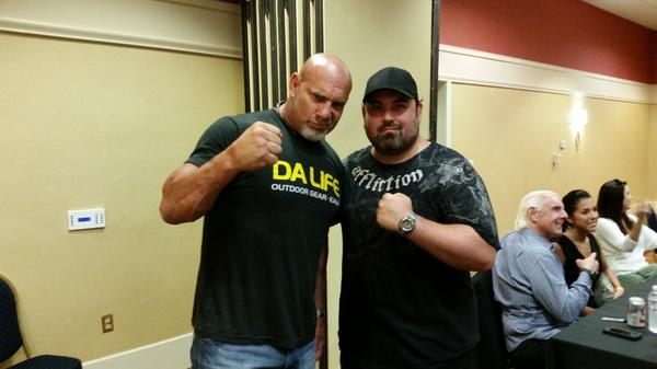 Met @Goldberg today! What an amazingly cool dude. Took so much time out with everyone today. Thank U! http://t.co/kuDB5vZlEa
