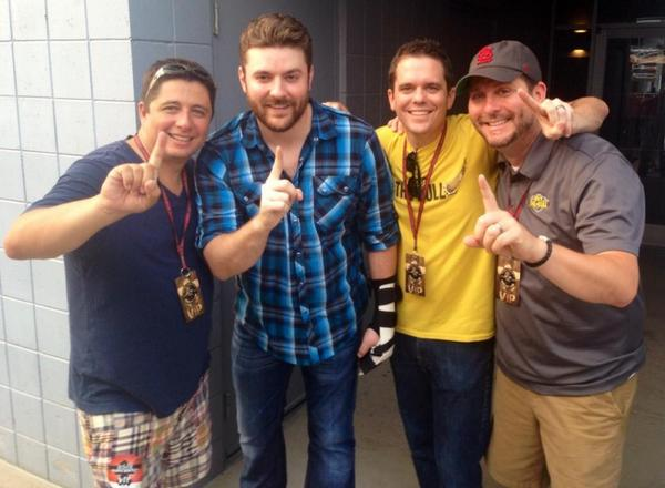 Celebrating the  #1 song in the country, Who I Am With You, with @ChrisYoungMusic #thatmakes6! http://t.co/CrTWfPpM4x