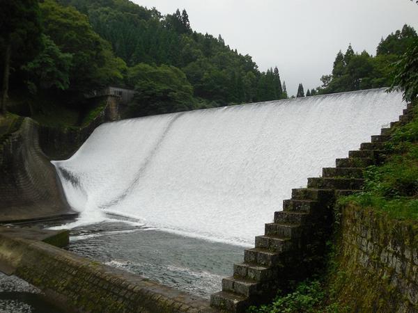 白水ダム http://t.co/QyUqESCzB7