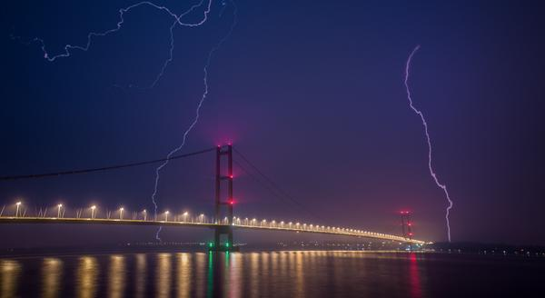 Rick Wilks took this breathtaking shot of Humber Bridge this weekend. Send your pics to weatherpics@bbc.co.uk Bryony http://t.co/HyZSTBrtYg
